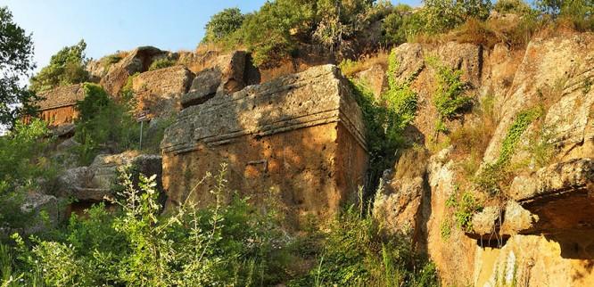 norchia-necropoli-etrusca