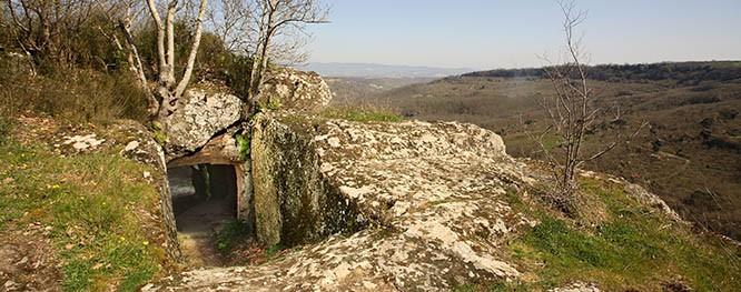 corviano-abitazine-rupestre