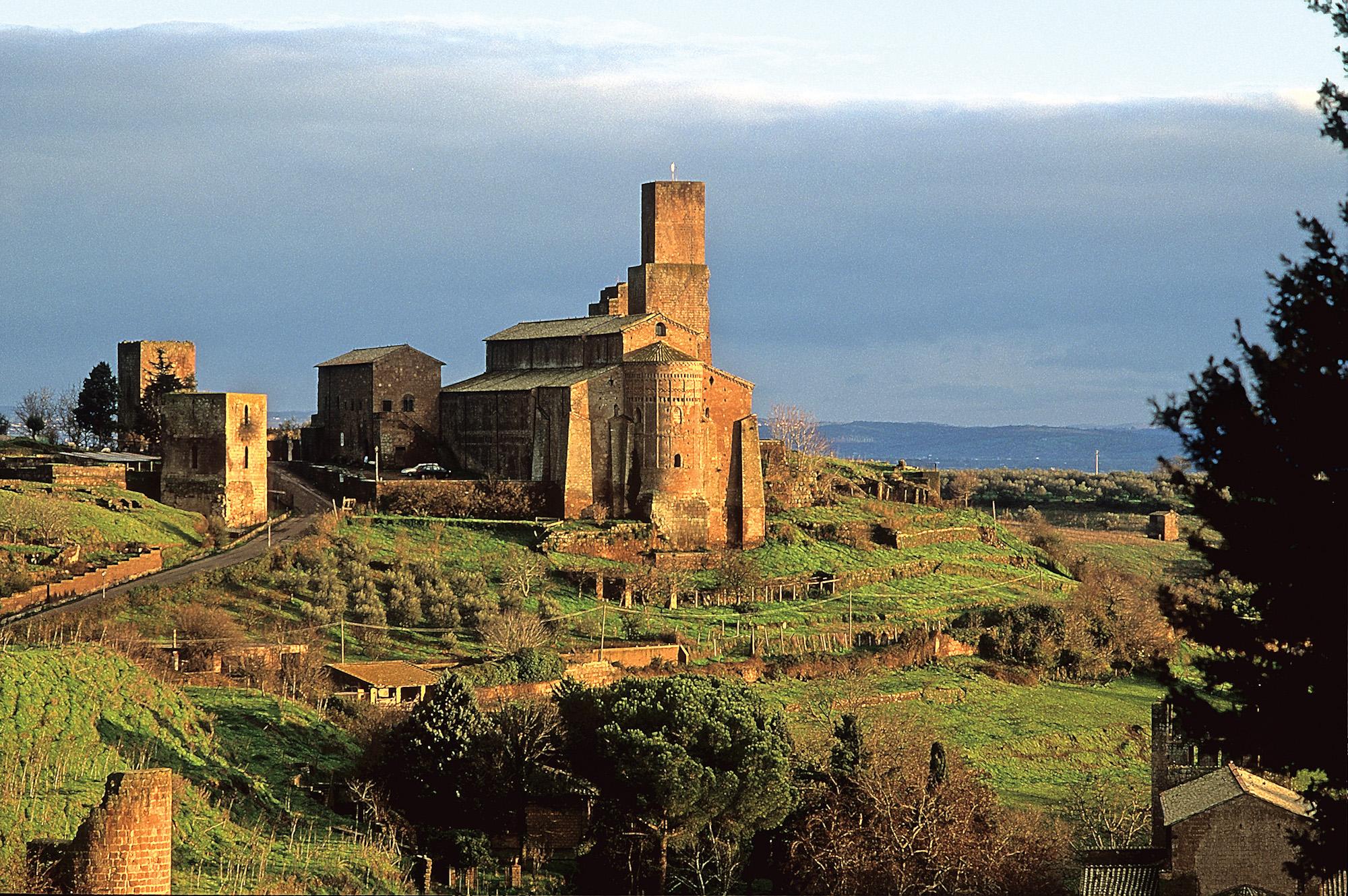 chies-di-san-pietro-tuscania