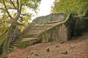 piramide-di-bomarzo-soriano