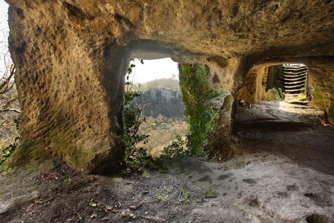 Corviano - abitazione ipogee etrusca rupestre