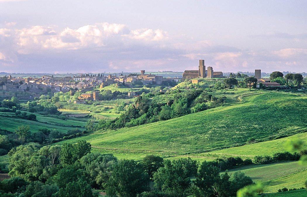 Tuscania – Perla della Tuscia dalla valle del Marta