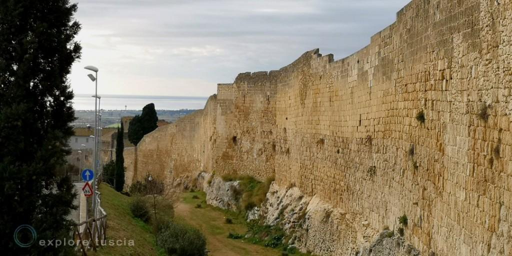 Tarquinia mura