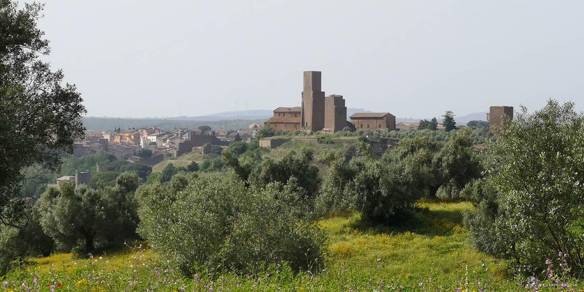 tuscania-san-pietro-fotovoltaico