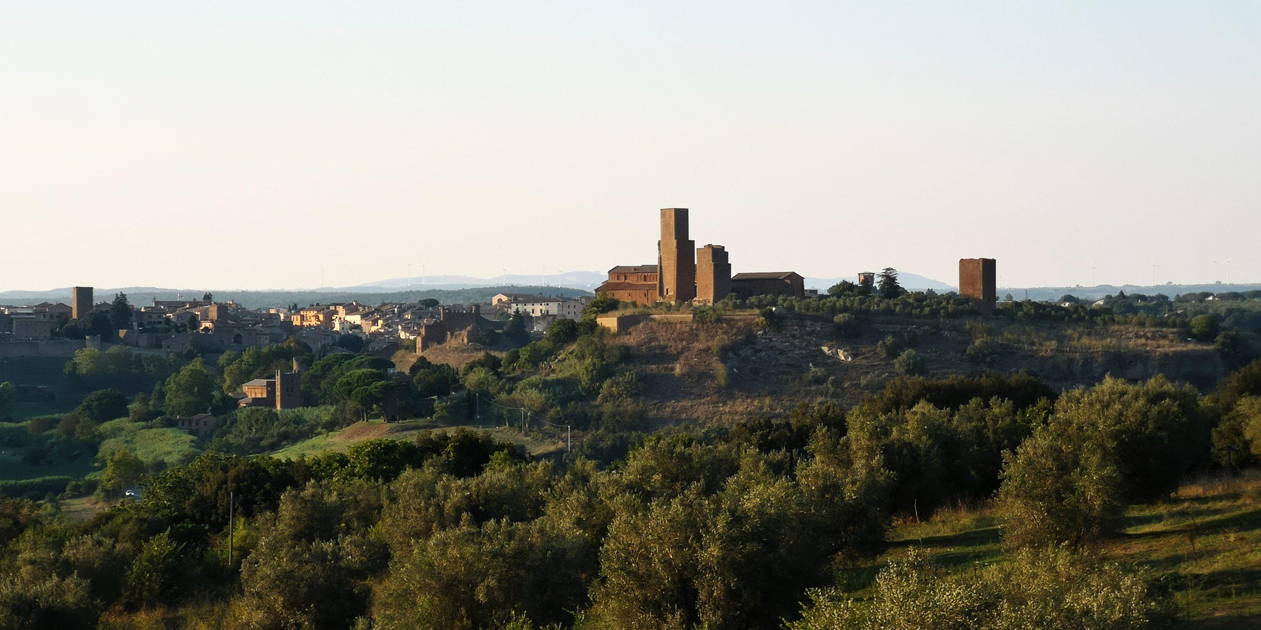 tuscania-rinnovabili.predatori-paesaggio